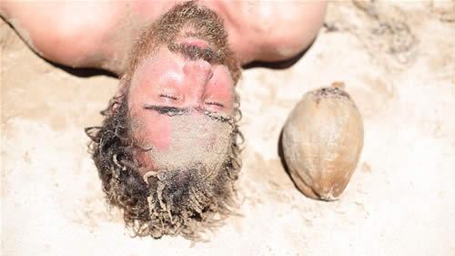 EX_ISTO_Descartes na Praia_AtorJoão Miguel_Foto Divulgação.jpg